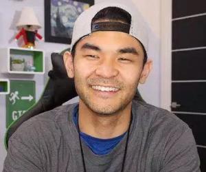 Sean Fujiyoshi<