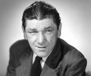 Shemp Howard<