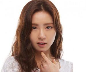 Shin Se-kyung<