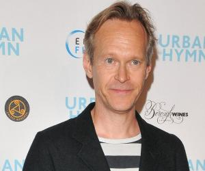 Steven Mackintosh<