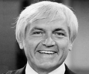 Ted Knight<