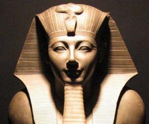 Thutmose III<