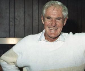 a biography of timothy leary and the effects of psilocybin One of the most famous users and advocates of hallucinogens was a man named timothy leary leary was a clinical psychologist at harvard university who happened upon an article published in.