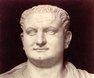 Titus<