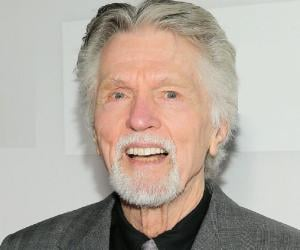 list of tom skerritt movies \u0026 tv shows best to worst filmography Journey Back To Christmas Cast tom skerritt is an american actor, best known for his role as \u0027sheriff jimmy brock\u0027 in the 90s tv drama \u0027picket fences\u0027 (1992 96)