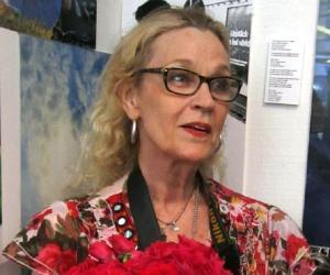 Ulla Jones<