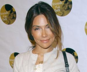 Vanessa Marcil<