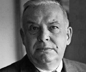 a life biography of wallace born in reading pennsylvania Poet wallace stevens also was born in reading and spent a summer of his early life in ephrata at the old mountain springs hotel.