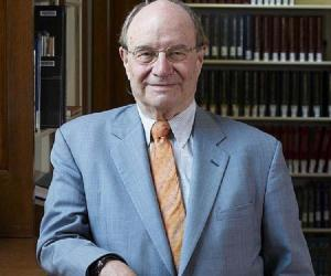 Walter Gilbert<