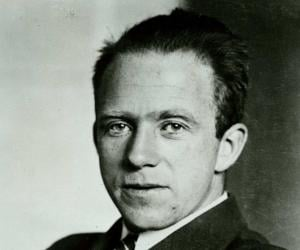 a biography of werner heisenberg a controversial physicist Carl friedrich freiherr von weizsäcker (28 june 1912 – 28 april 2007) was a german physicist and philosopherhe was the longest-living member of the team which performed nuclear research in germany during the second.