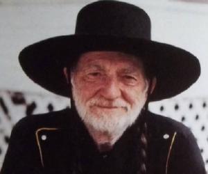 Willie Nelson<