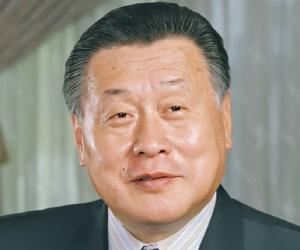 Yoshiro Mori<