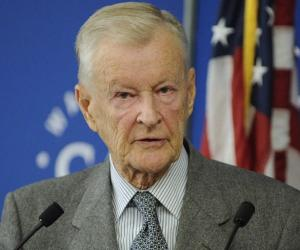 Zbigniew Brzezi...<